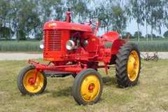 Traktor MASSEY HARRIS (po renovaci)